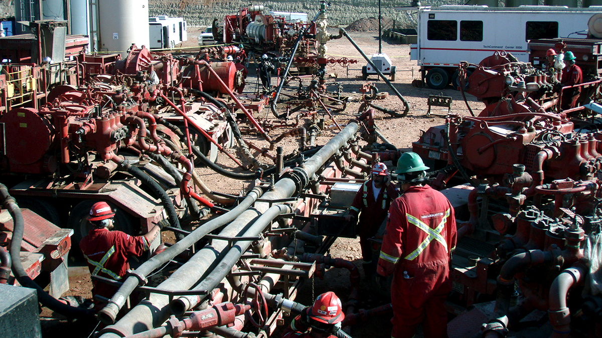 Fracking the Bakken Formation in North Dakota (Photo by Joshua Doubek used under Creative Commons)